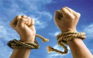 liberarsi dai debiti  sovraindebitamento
