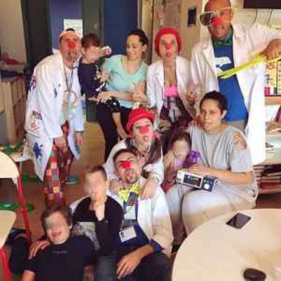 clown   ospedale  bambini  sorrisi