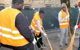 Chi arriva in Italia e chiede asilo dovrà svolgere lavori socialmente utili in attesa di ottenere r