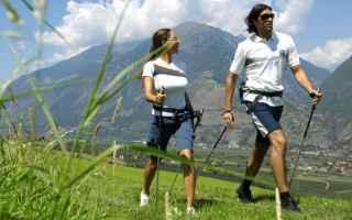 Fitness: nordic walking  benessere  tecnica