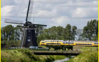 dal Mondo: vento  treno  olanda  energia  eolica