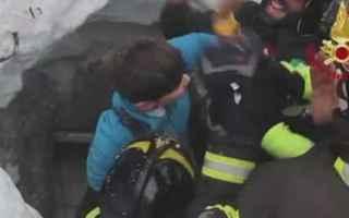 Notizie locali: Hotel Rigopiano 6 salvi sgnali da altri 5 sotto la valanga per 42 ore