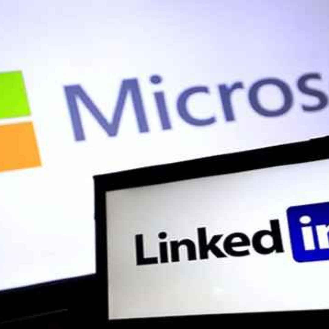 linkedin  social  microsoft  chat