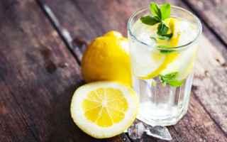 Salute: salute  benessere  acqua  limone