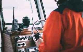Vela: regata  comunicazione  vhf  barca