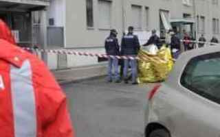 Torino: torino  suicidio  donna  bambino  ferito
