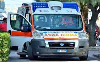 Milano: auto  tir  soccorsi  suicida  ragazza