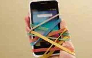 Cellulari: smartphone  dipendenza  nomofobia