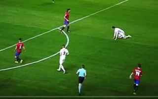 Calcio: cristiano ronaldo  angelina jolie calcio