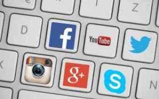 Internet: social media  assistente virtuale