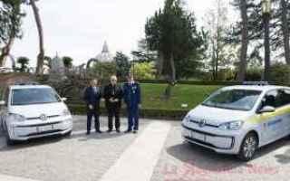 Automobili: e-up  volkswagen  vaticano