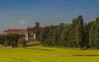 Milano: borgo  borghi  morimondo  milano  viaggi