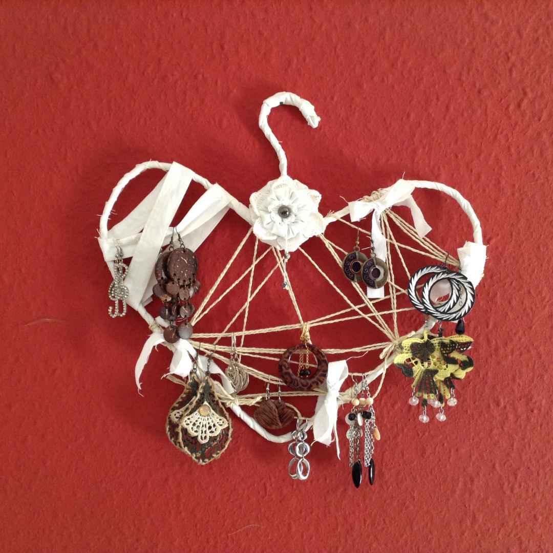 riciclo creativo  porta orecchini diy