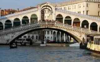 https://www.diggita.it/modules/auto_thumb/2017/03/31/1588538_una-foto-del-ponte-di-rialto-a-venezia_1243111_thumb.jpg