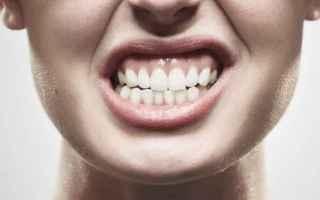 Bellezza: piercing  piercer  lingua  guarigione