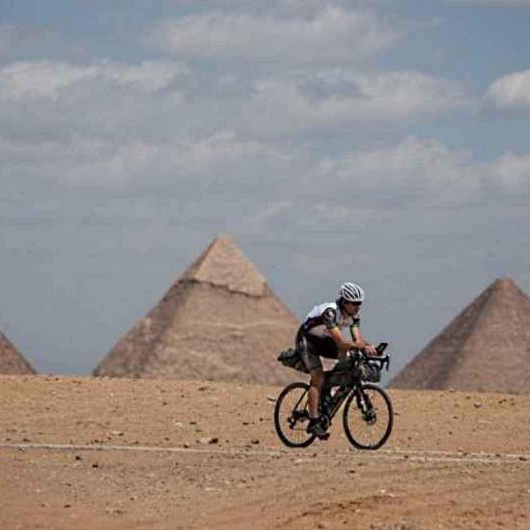 bicicletta  80 giorni  mark beaumont