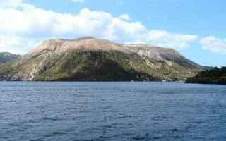 Vulcano (Vurcanu in siciliano) è unisola italiana appartenente allarcipelago delle isole Eolie, in