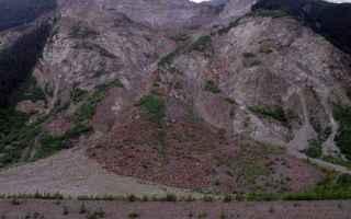 Una violenta ondata di maltempo, con temporali e vento forte, si è abbattuta sulla Calabria, colpen