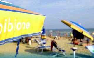 Viaggi: mare  spiaggia  25aprile  relax
