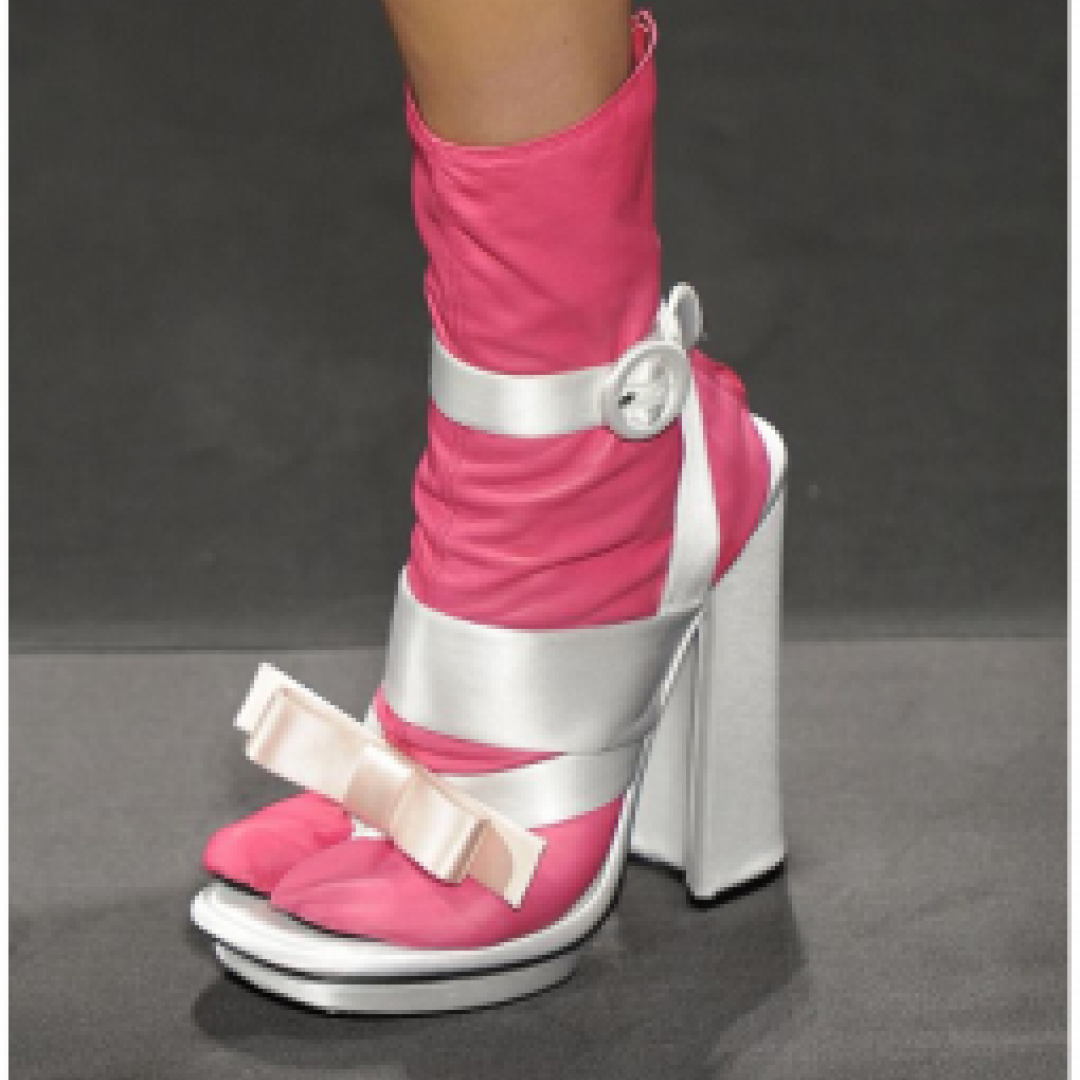 guardaroba  abiti  scarpe  indumenti
