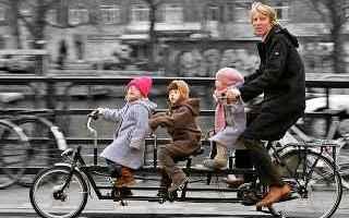Ciclismo: ciclisti  codice stradale  scarponi