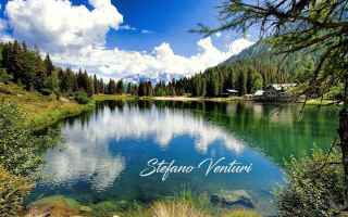 Foto online: lago dolomiti riflessi  montagna