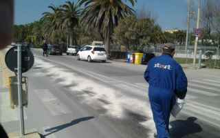 Leggi e Diritti: strada macchia olio incidente pa