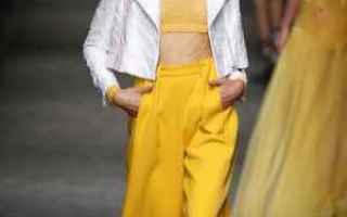 Moda: giallo curcuma  giallo  moda