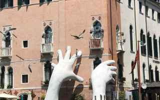 Arte: scultura  venezia  biennale