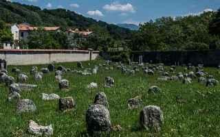 Storia: cimitero  slovenia  nova gorica
