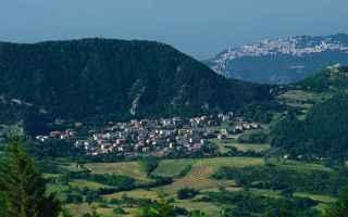 Viaggi: borgo  viaggi  emilia romagna