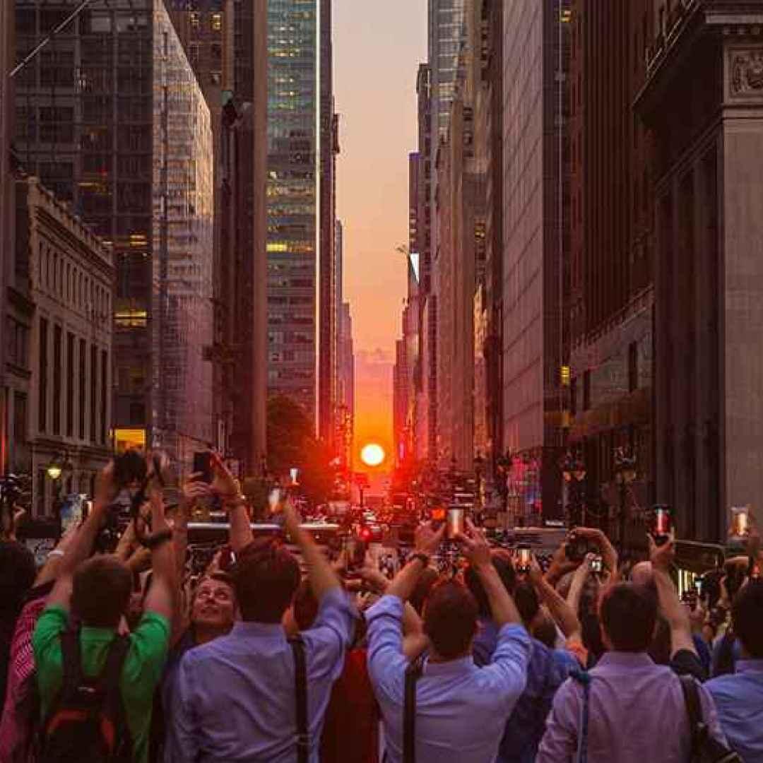 manhattanhenge  new york  tramonto  foto
