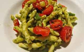 ricetta  recipe  pasta  pesto  pomodoro