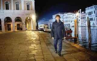 Televisione: rai uno  angela  rai 1  stanotte a venezia  venezia