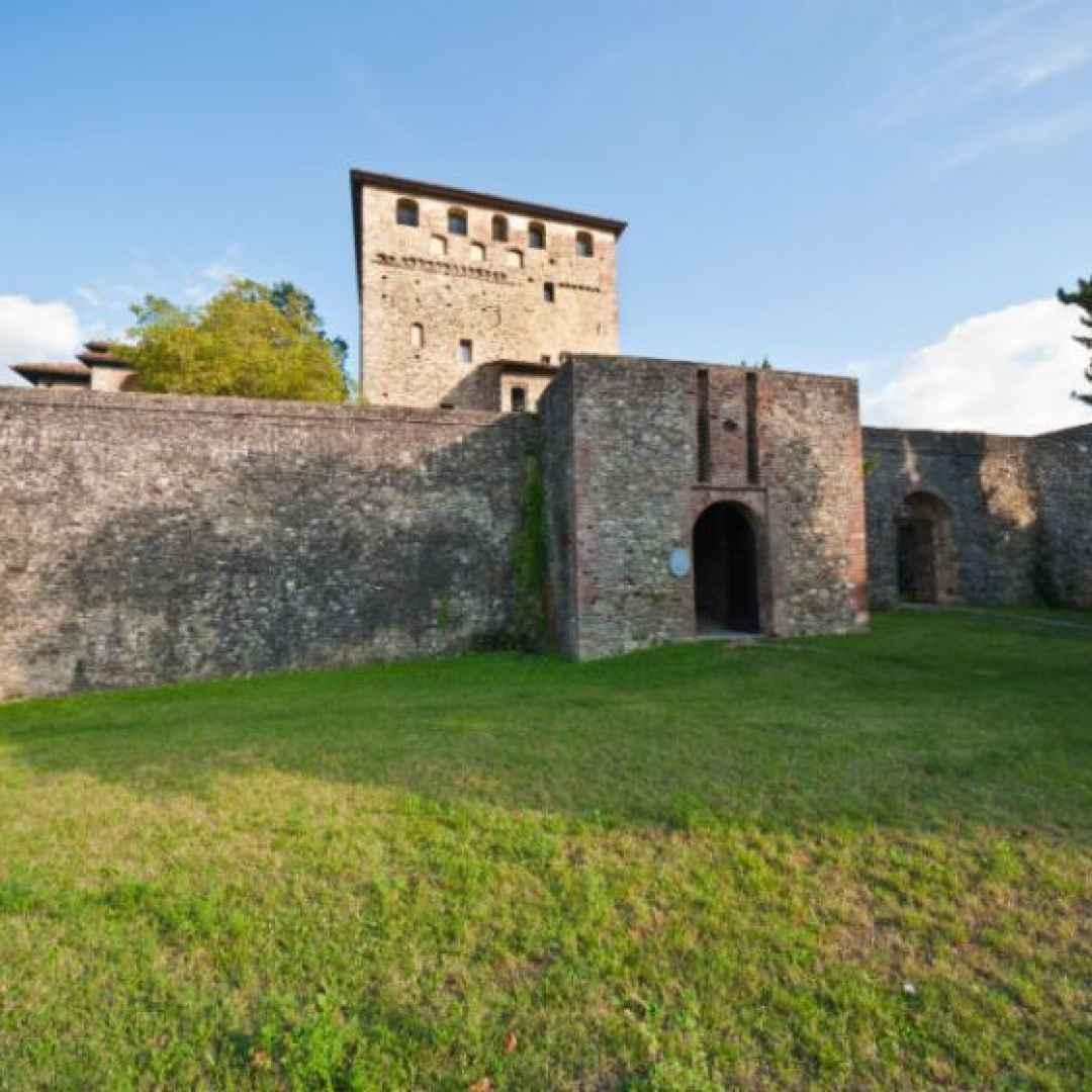 castello  bobbio  emilia  viaggi  borgo