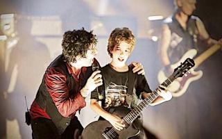 Musica: Luca 12 anni suona davanti a 12 mila persone al concerto dei GREEN DAY al Summer Festival Lucca.Intervista, FOTO e VIDEO