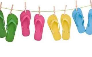 Salute: infradito piedi podologi
