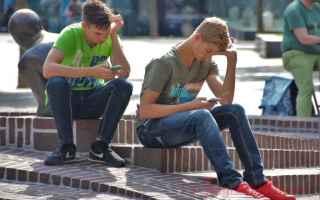 Cellulari: Uso compulsivo dello smartphone. Attenzione al Phubbing!