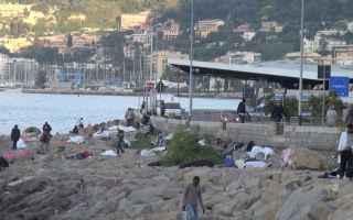 Genova: ventimiglia  immigrazione  migranti