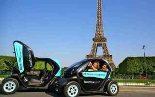 Ambiente: auto  moto  ricarica  veicolo elettrico
