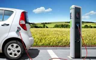 Automobili: auto elettriche  consumo  inquinamento