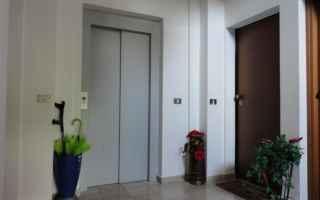 Casa e immobili: condominio telecamera pianerottolo
