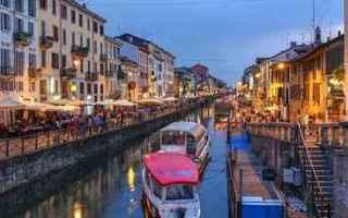 Milano: valigia  vacanze  estate  mare