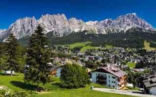Viaggi: valigia viaggi estate montagna