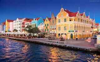 Viaggi: viaggi valigia estate mare