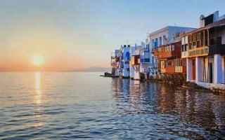 Viaggi: valigia mare sole viaggi
