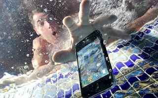 Cellulari: smartphone  incidente  acqua
