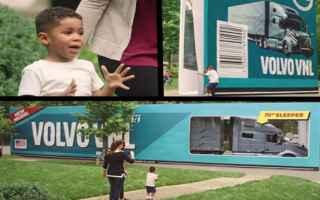 dal Mondo: usa  regalo  camion  bambino