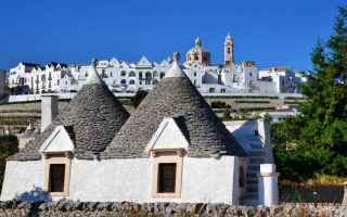 Viaggi: locorotondo  puglia  turismo  viaggio