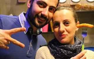 Napoli: salotto fame  pub  napoli  san vitaliano